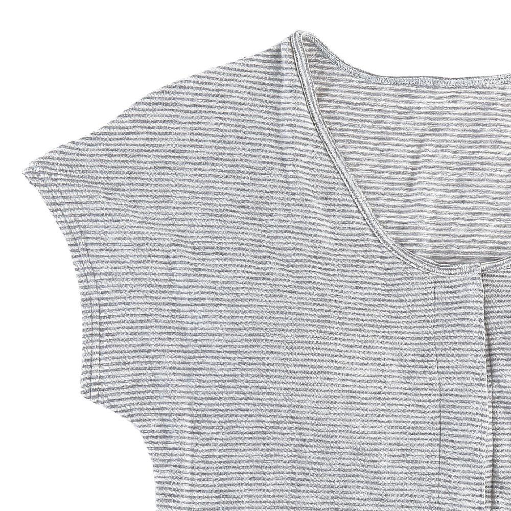 洋服に響かないフレンチ袖