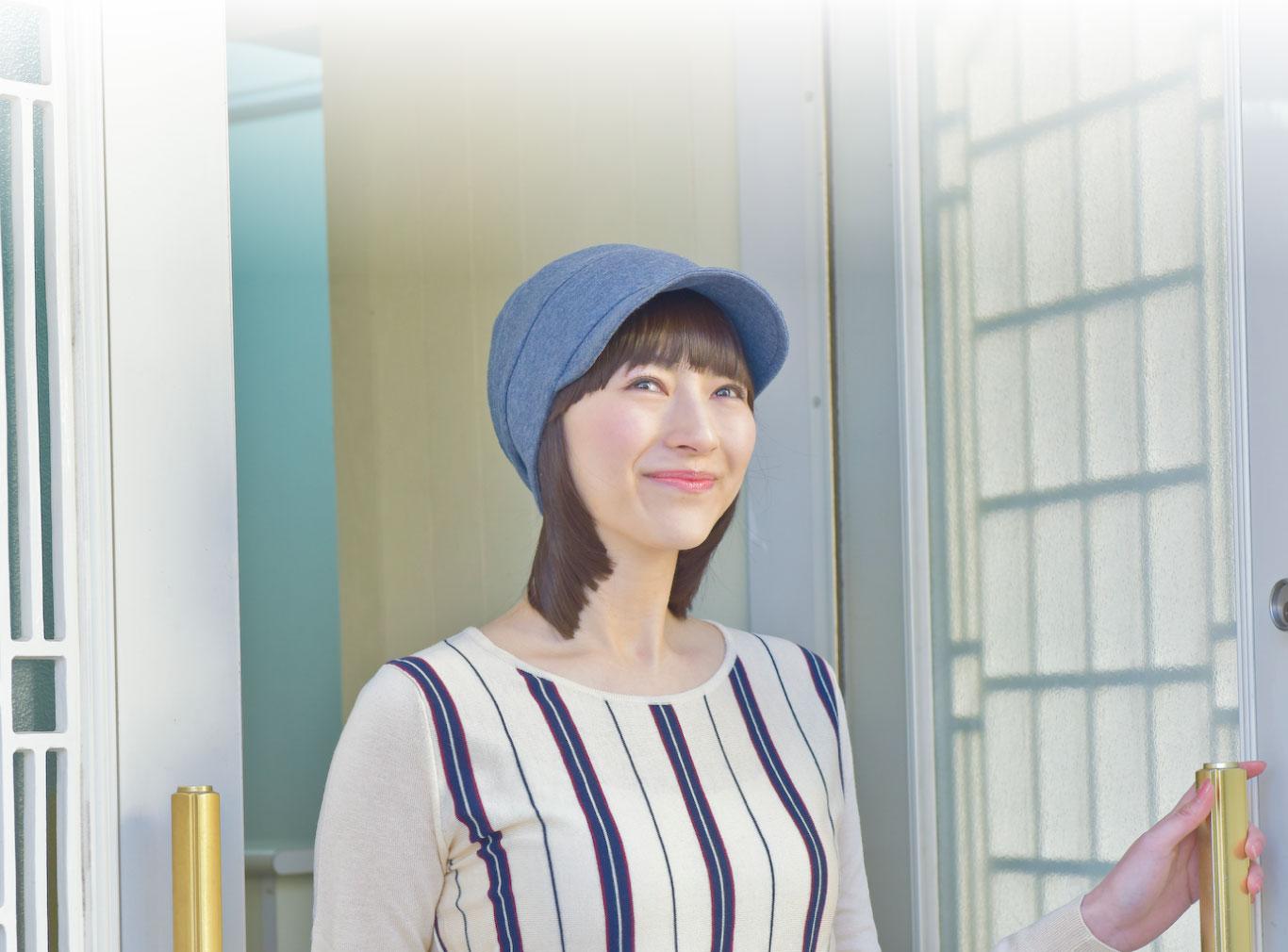 外出用にぴったりのオーガニックコットン100%のキャスケットと髪付き帽子のセット